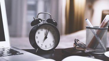 Zaman Felsefesi: Zamanın A ve B Teorilerini Anlamak