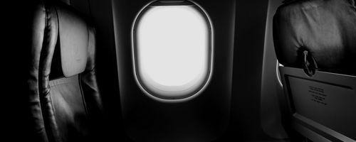 Uçakların Camları, Neden Evlerimizdeki Gibi Kare Değil de Yuvarlaktır?