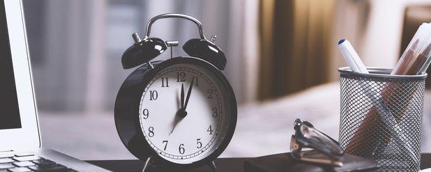 Zaman Felsefesi: Zaman Nedir? Zaman Gerçek mi, Yoksa Sadece Bir İllüzyon mu?